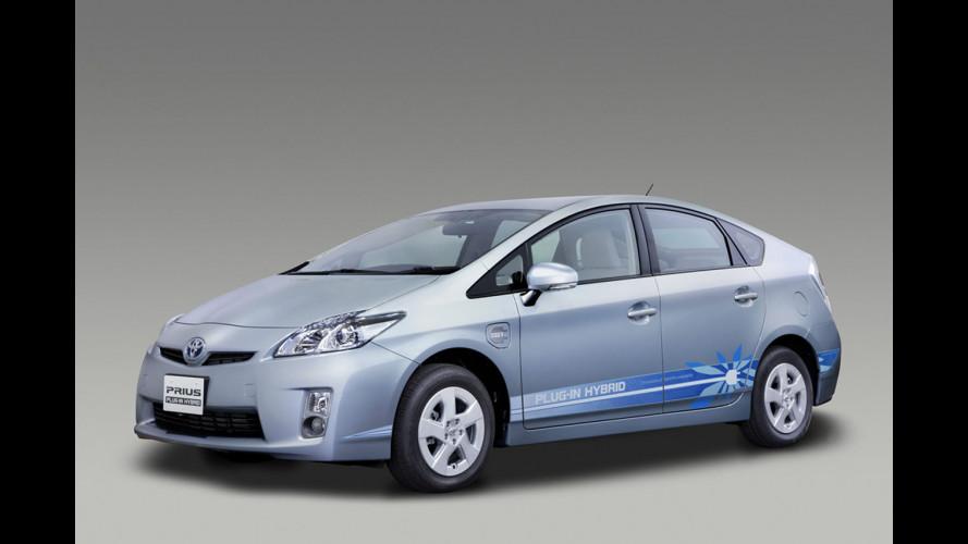 Toyota Prius Plug-in: consuma 2,1 l/100 km