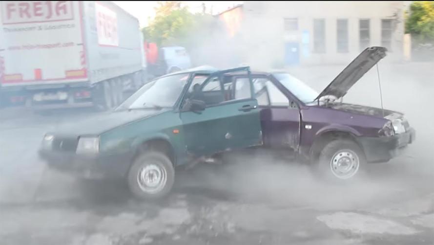 Russians Hack Together 3 Ladas Into Automotive Fidget Spinner