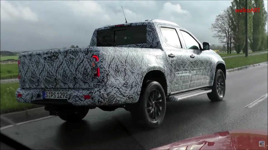 Flagra - Mercedes-Benz Classe X de produção é filmada em teste