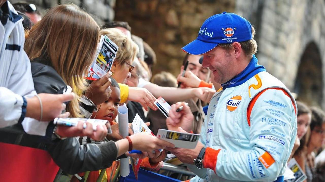 Jos Verstappen signs autographs - 24 Hour of Le Mans 2009, Driver Parade, 12.06.2009 Le Mans, France