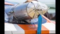 Jaguar F-Type R Coupè Bloodhound, la prova del paracadute