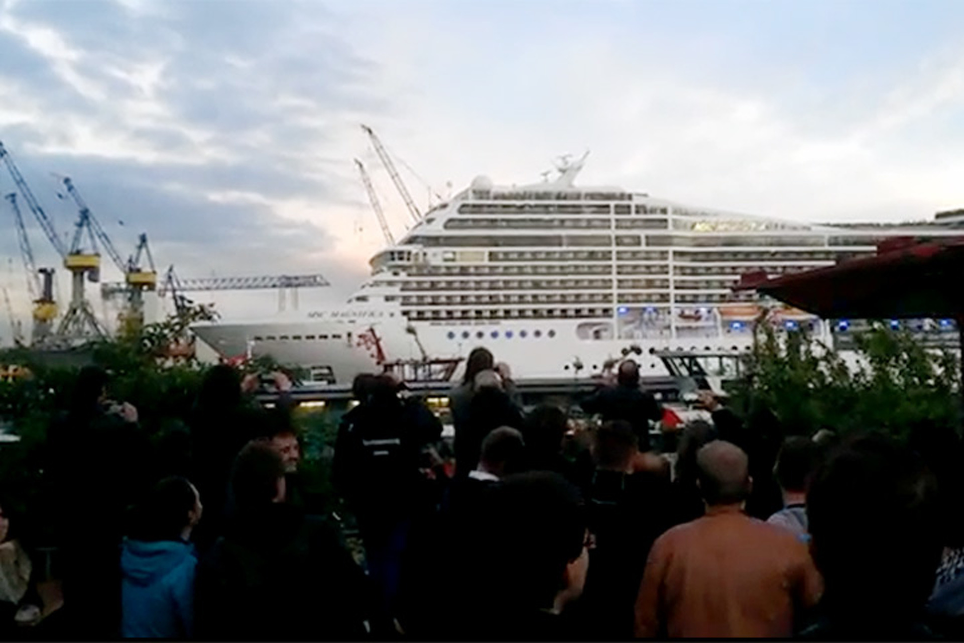 Watch A Cruise Ship Belt Out 'Seven Nation Army' [video]