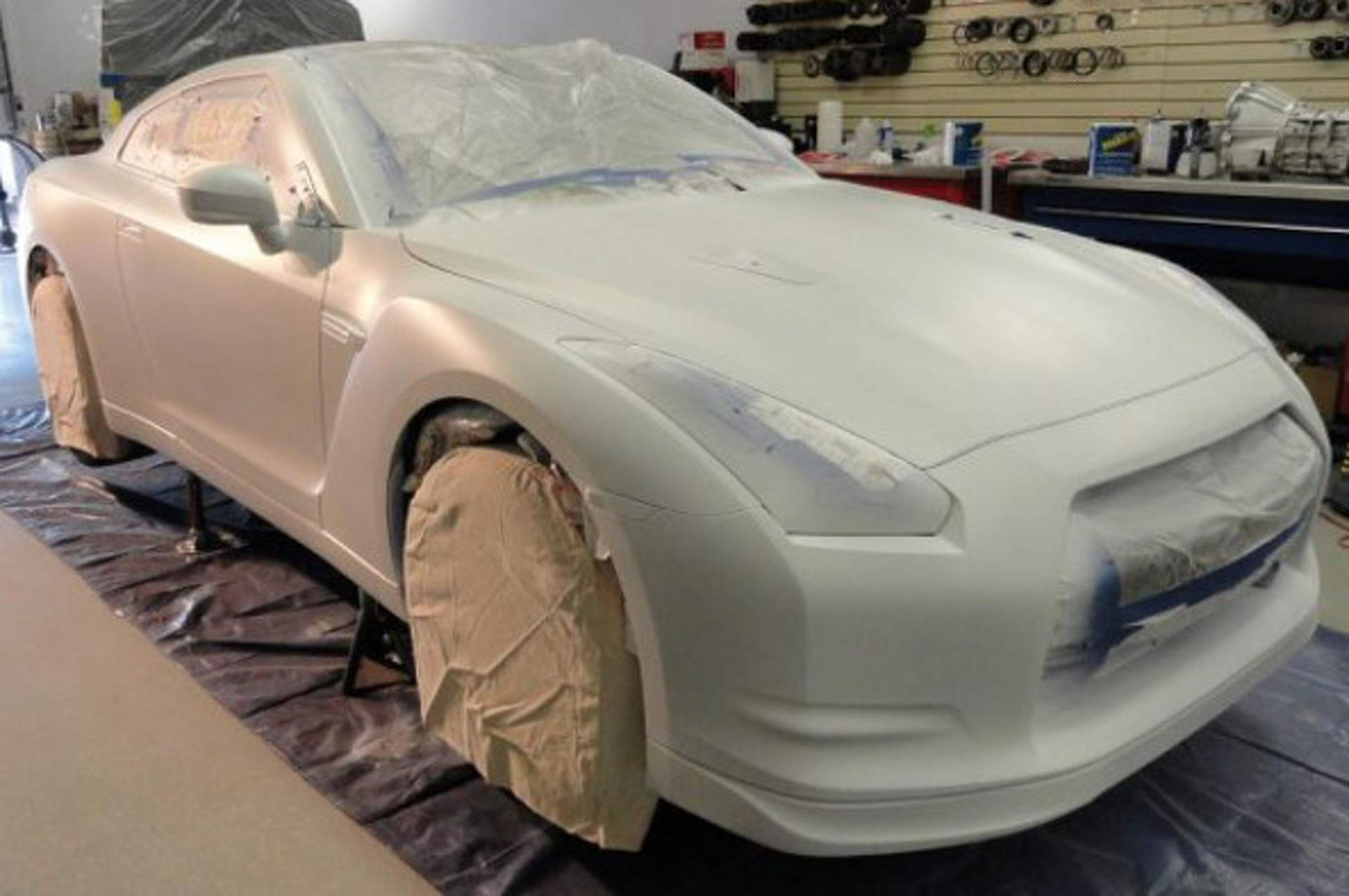 Video: How To Dip Your GT-R In Plastic