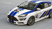 Ford Focus ST-R hits the track with Tanner Foust [video]