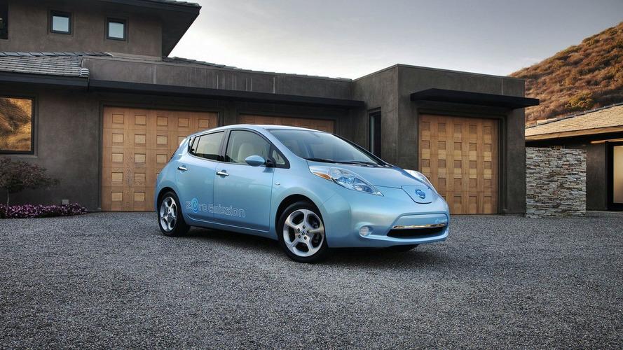 2011 Nissan Leaf EV Priced at $25,280 in the U.S.