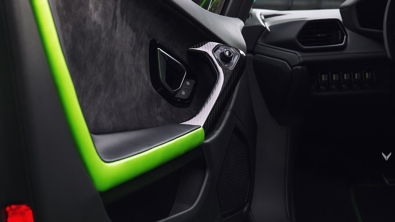 vilner verde mantis gives lambo huracan insect inspired makeover. Black Bedroom Furniture Sets. Home Design Ideas