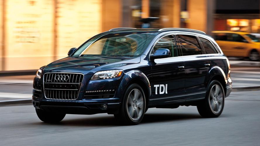 Audi merkezine yıllık basın toplantısı öncesinde baskın!