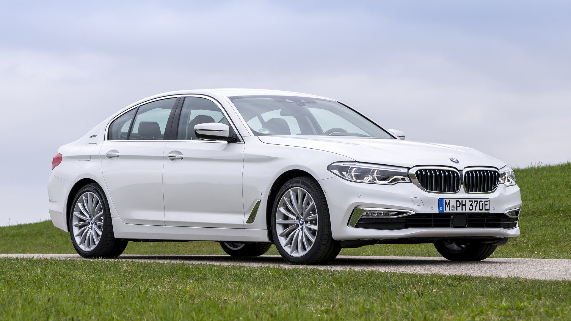 2018 bmw 530e review a totally different electrolux. Black Bedroom Furniture Sets. Home Design Ideas