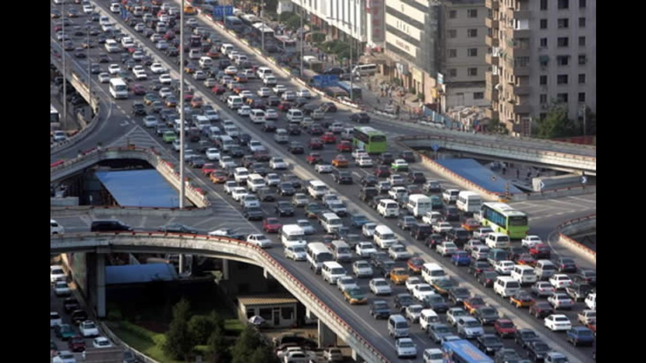 Comprar carro em Pequim: só com bilhete premiado!