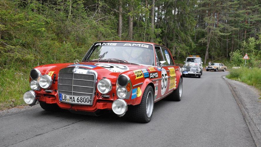 Mercedes-Benz 300 SEL 6.8 AMG Red Pig
