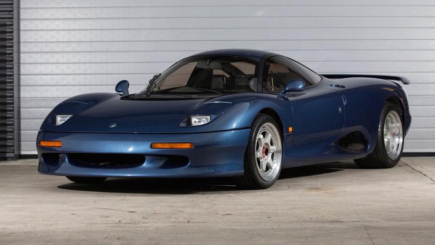 Jaguar'ın eski süper otomobillerinden XJR-15 satılıyor