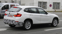 2013 BMW X1 Facelift first spy photos 02.12.2011