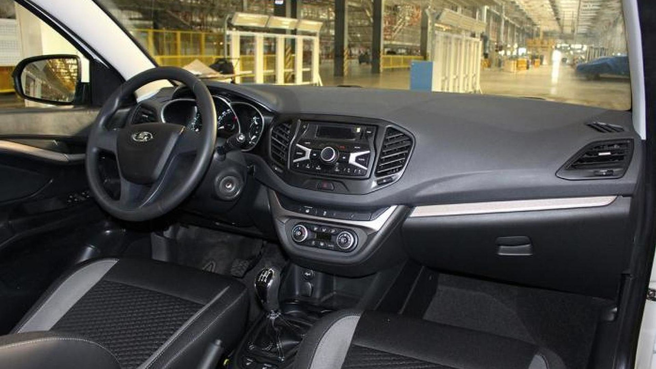 Production Lada Vesta interior / auto.mail.ru