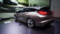 Honda Civic Tourer concept introduced in Geneva [video]