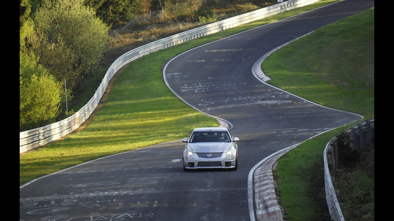 Cadillac CTS-V: 7:59 al Nurburgring
