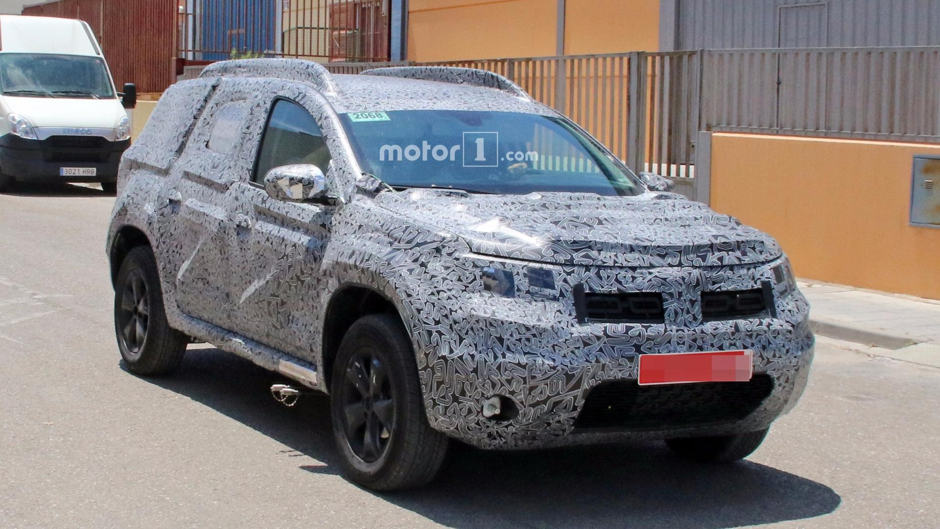 2018 dacia duster caught in detail possibly showing new. Black Bedroom Furniture Sets. Home Design Ideas
