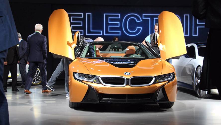 BMW i8 Roadster Is A Chic 369-HP Accessory For The L.A. Scene