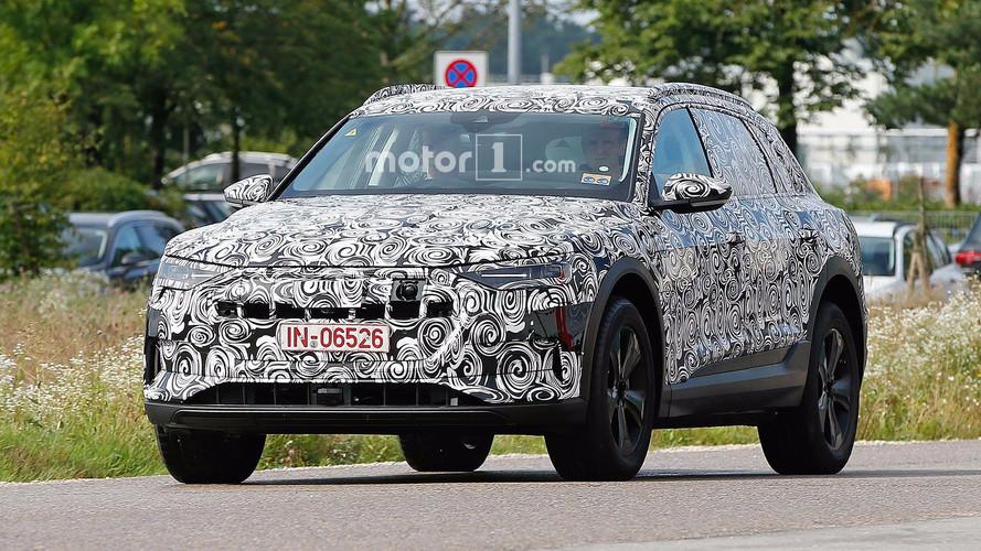 Audi E-Tron Spy Photos