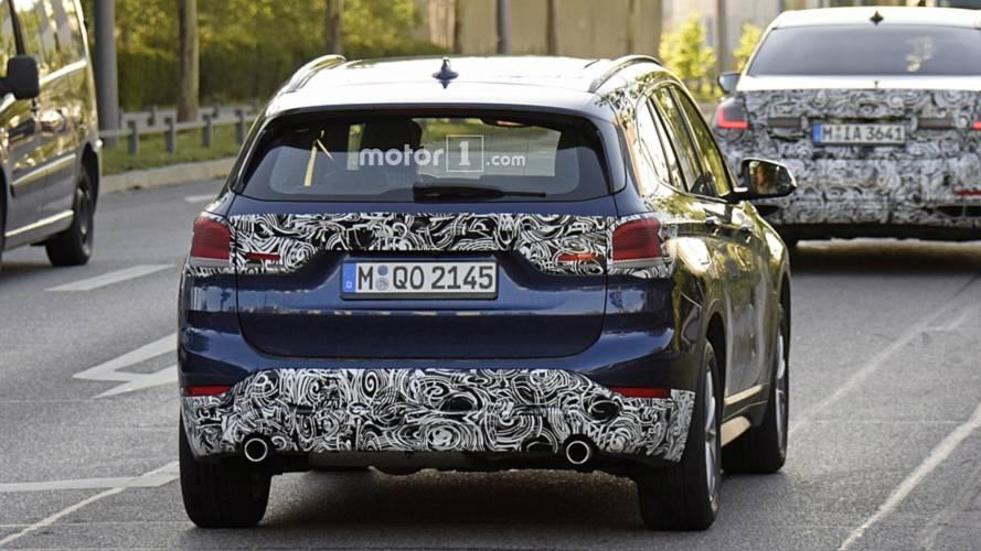 BMW X1, le foto spia del restyling