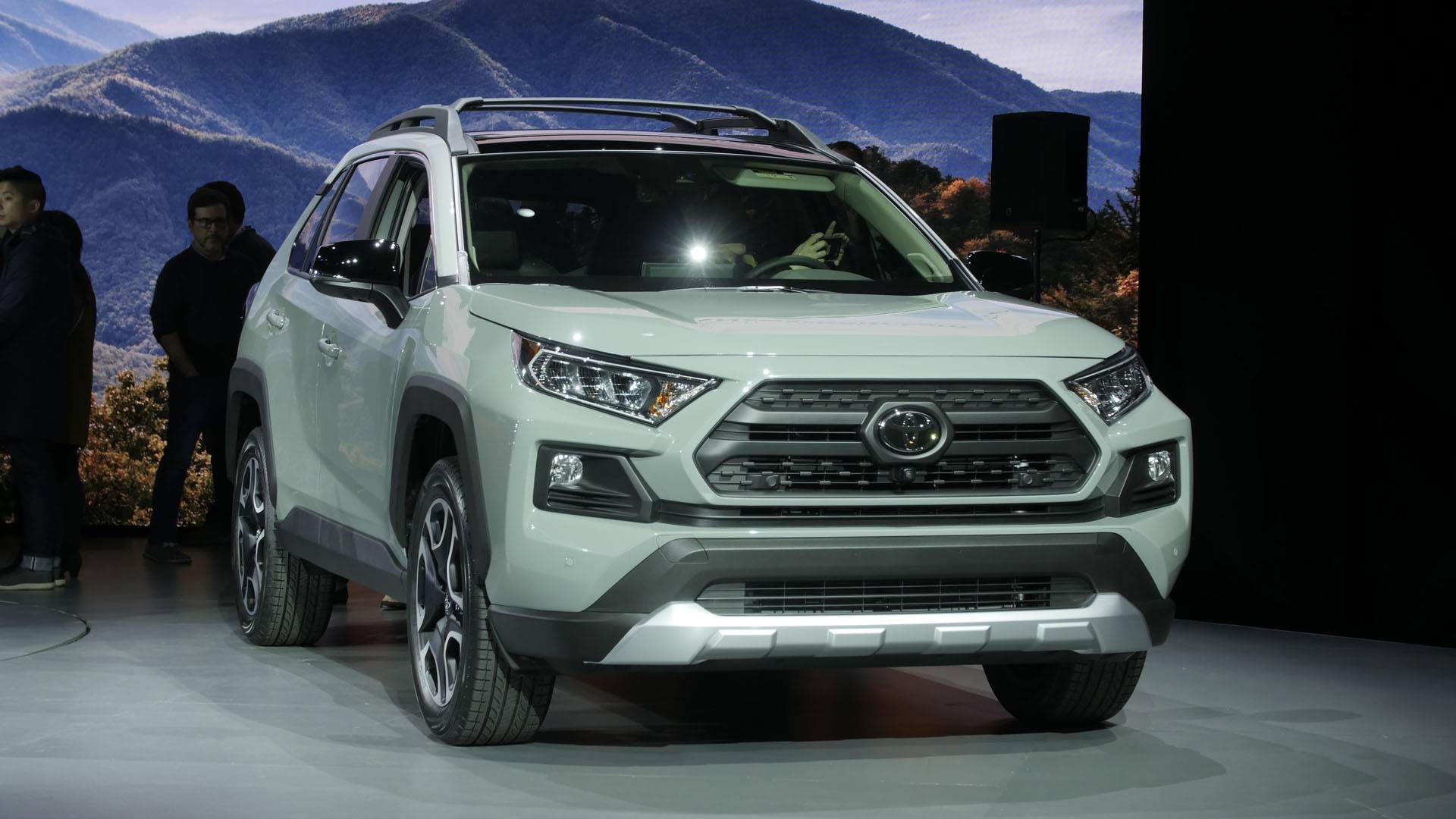 VWVortex.com - All-new fifth-gen 2019 Toyota RAV4 unveiled ...
