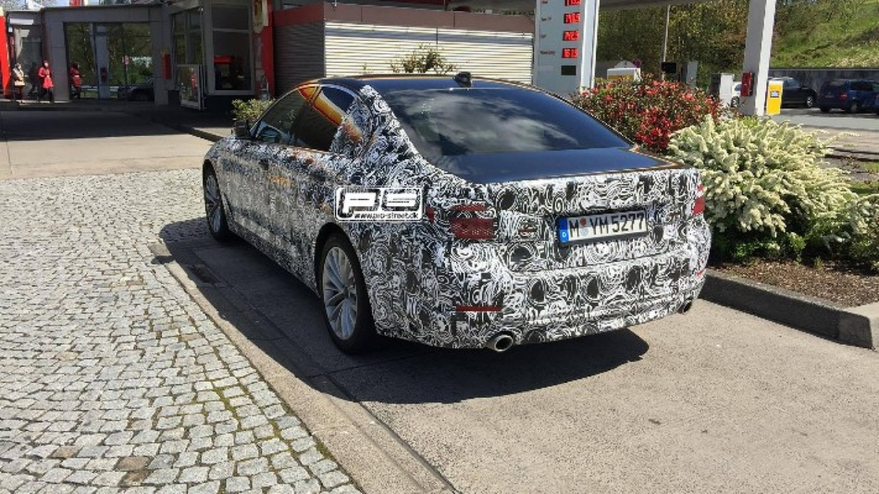 Kamuflajlı yeni BMW 5 Serisi Almanya'da görüntülendi