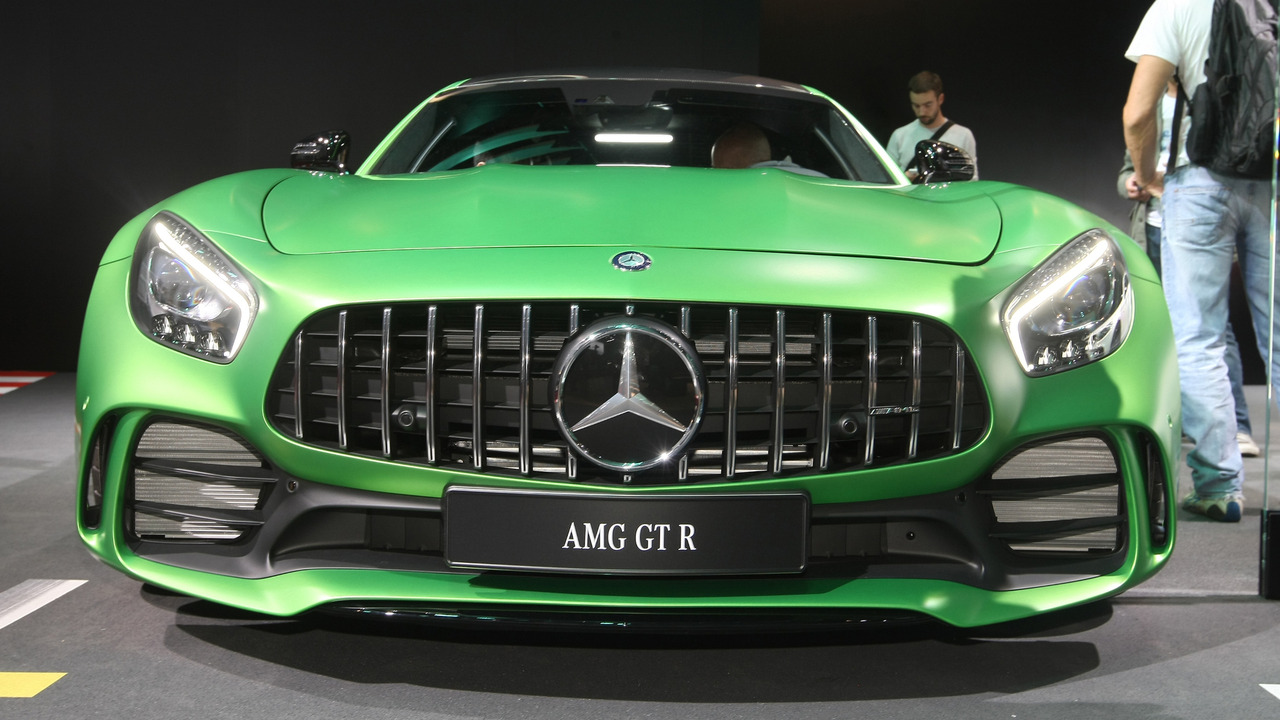 mercedes amg gt r arrives in u s this summer for 157 995. Black Bedroom Furniture Sets. Home Design Ideas