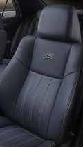 2014 Chrysler 300S unveiled with revised styling & upgraded interior