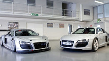 Audi R8 LMS (left) and Audi R8