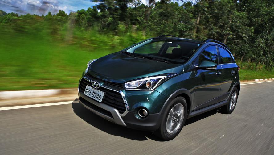 Hyundai HB20 2018 oferece central multimídia em todas as versões