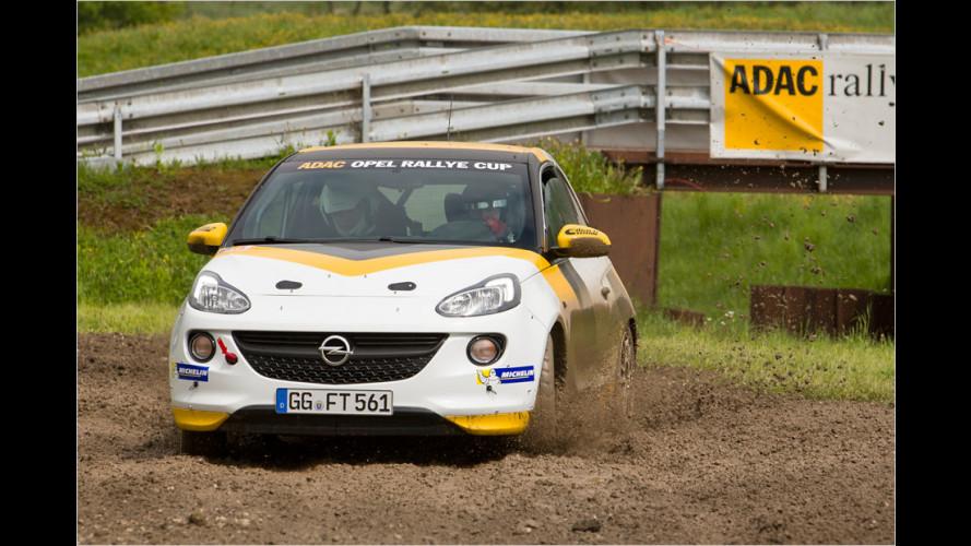Der Adam mutiert zum Rallye-Flitzer