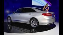 Topo de linha da Ford, novo Taurus 2016 é apresentado ao público - veja fotos