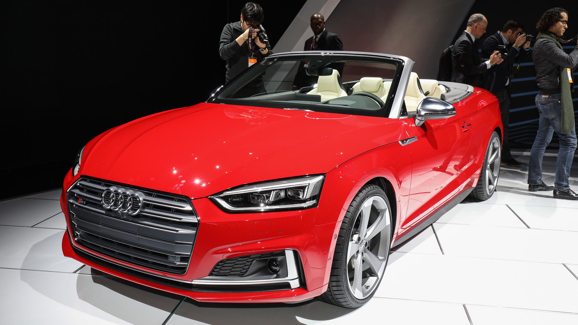 2018 audi s5 cabriolet is the sporty droptop for any season. Black Bedroom Furniture Sets. Home Design Ideas