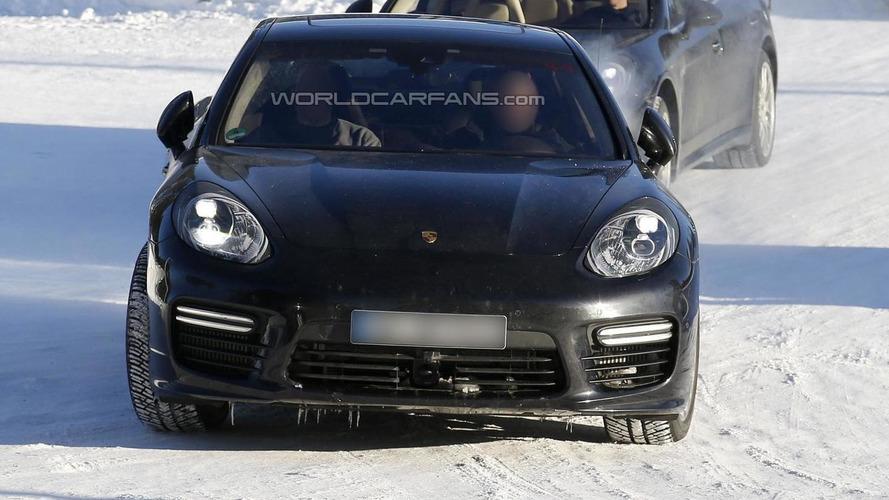 Porsche Panamera facelift spied without camo