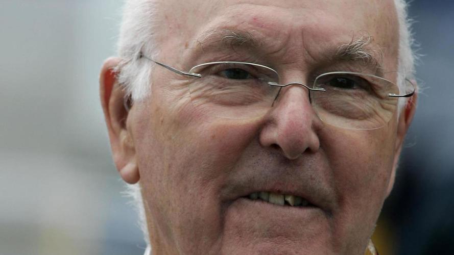 Murray Walker reveals cancer, Horner receives OBE