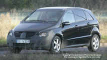 SPY PHOTOS: Mercedes B-Class Facelift