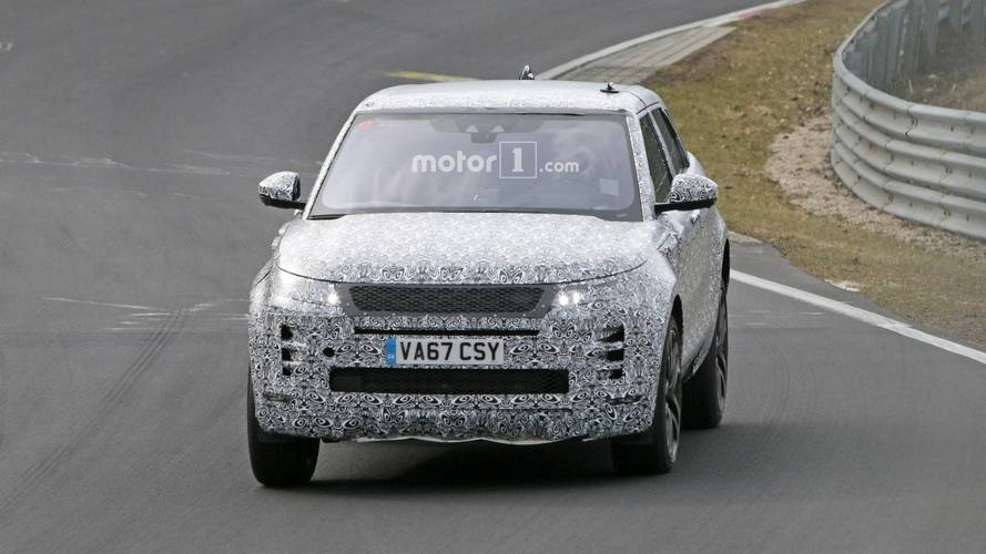 Yeni Range Rover Evoque Nürburgring'de test edilirken yakalandı
