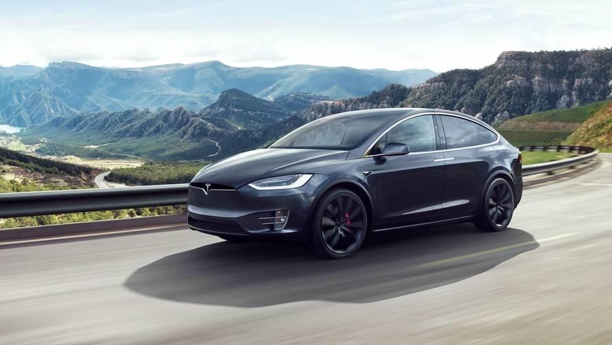 Elon Musk s'énerve contre des analystes, Tesla le paie en bourse