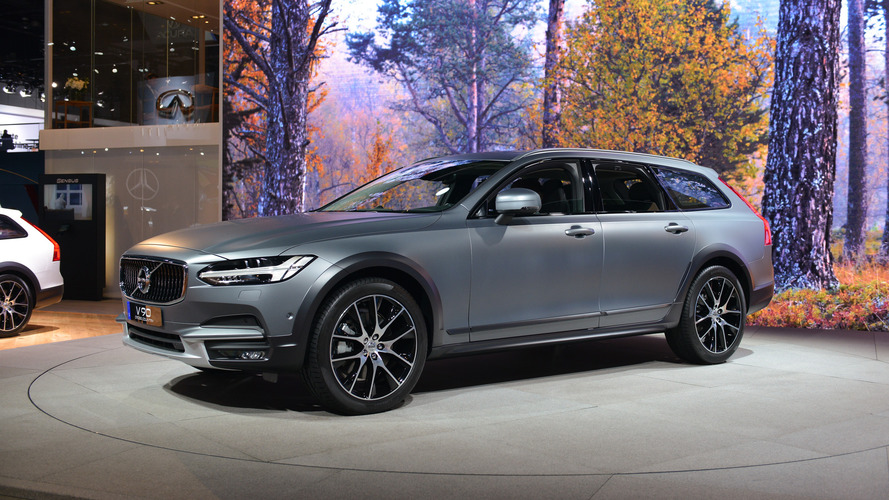 Volvo V90 Cross Country exudes beautiful versatility in L.A.