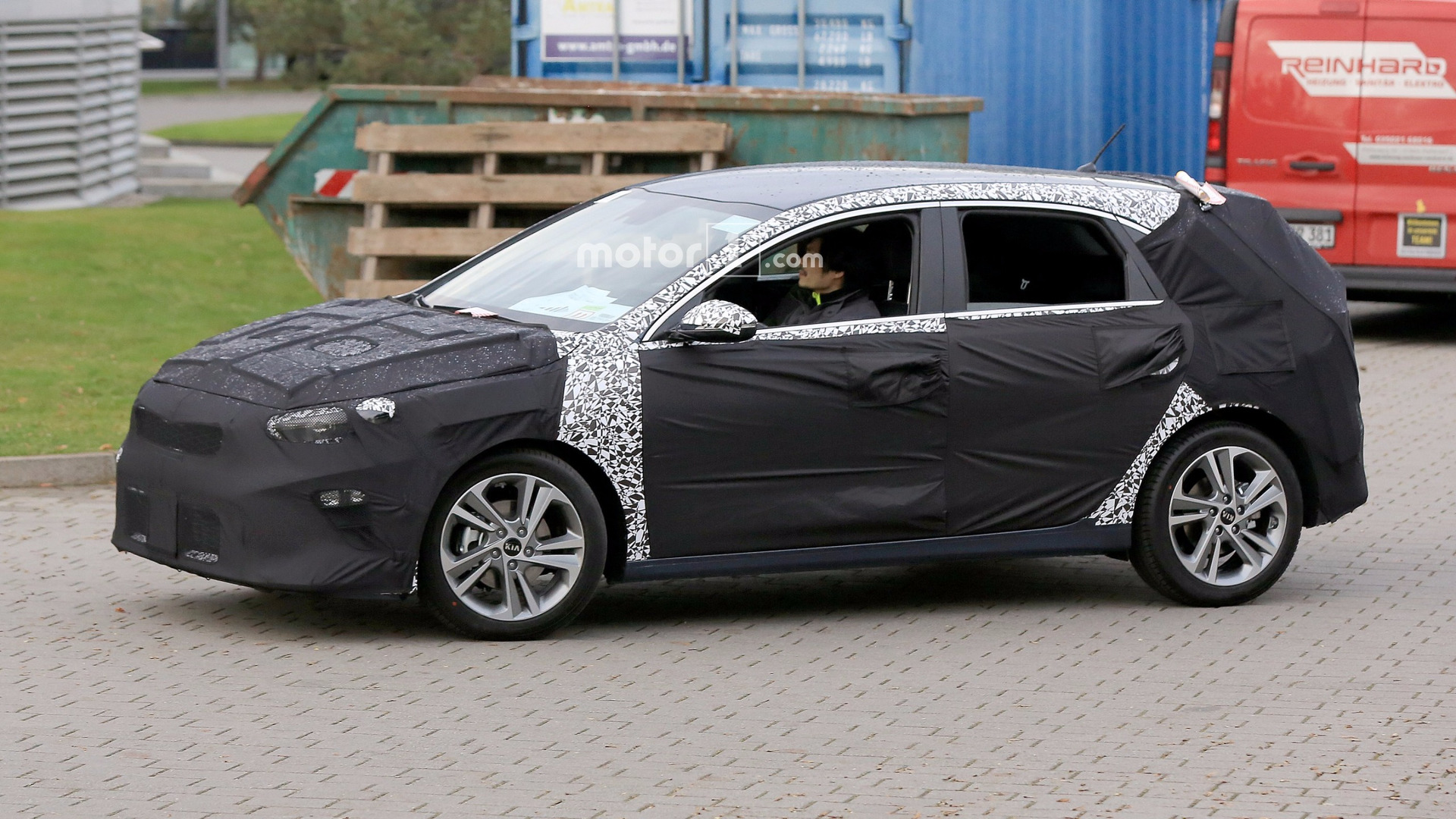 First Look At The 2018 Kia Cee D