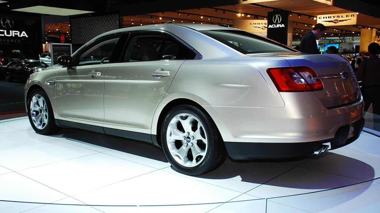 2010 Ford Taurus at 2009 NAIAS