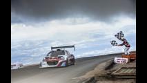 Sébastien Loeb: record con la Peugeot 208 T16 Pikes Peak