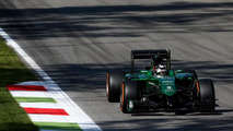 Kobayashi retains Caterham seat for home race