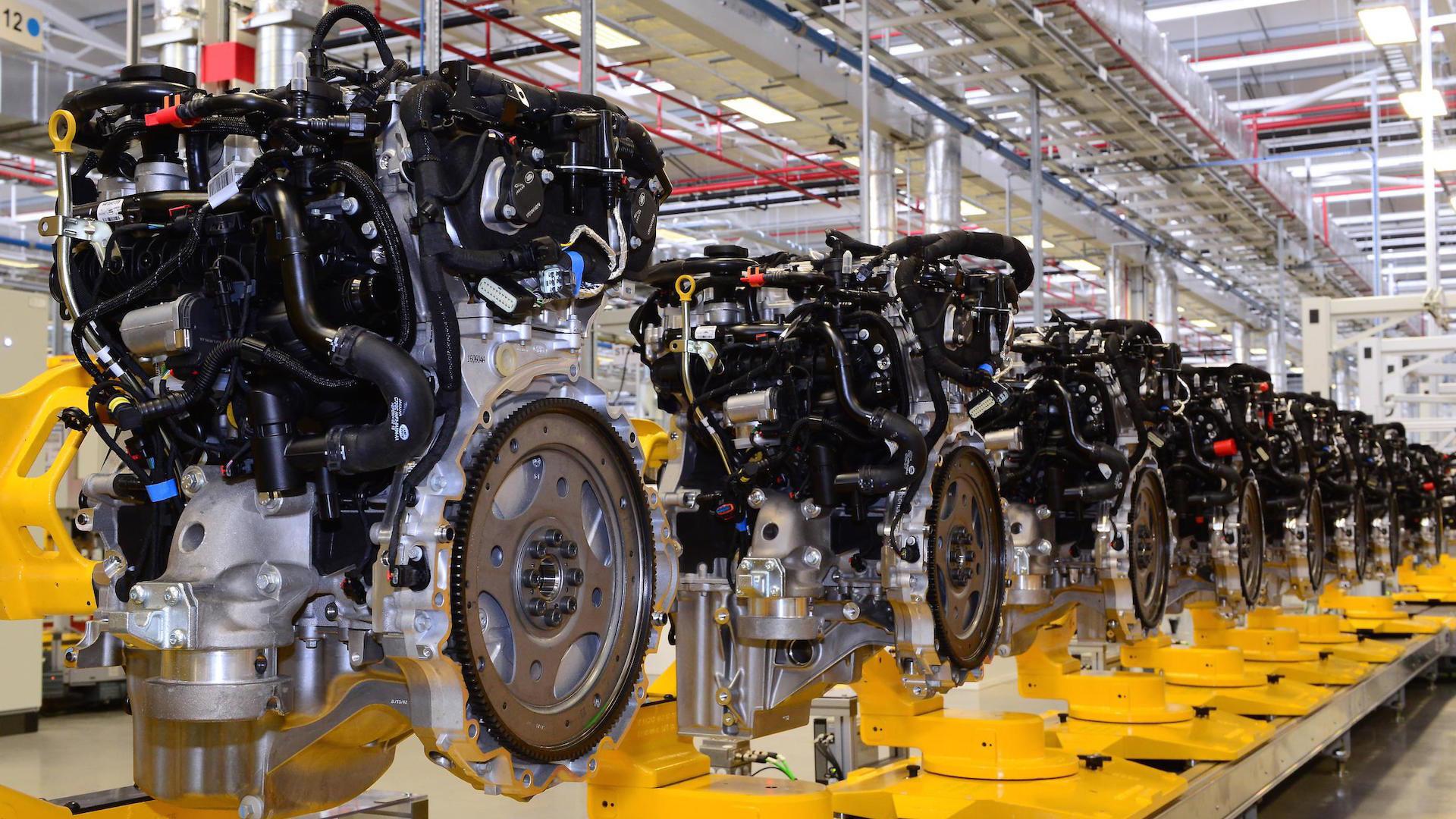Jaguar Kicks Off Production Of New Four Cylinder Engines