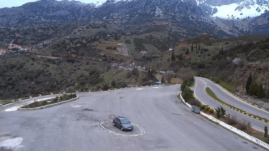VIDÉO - Comment piéger facilement une voiture autonome ?