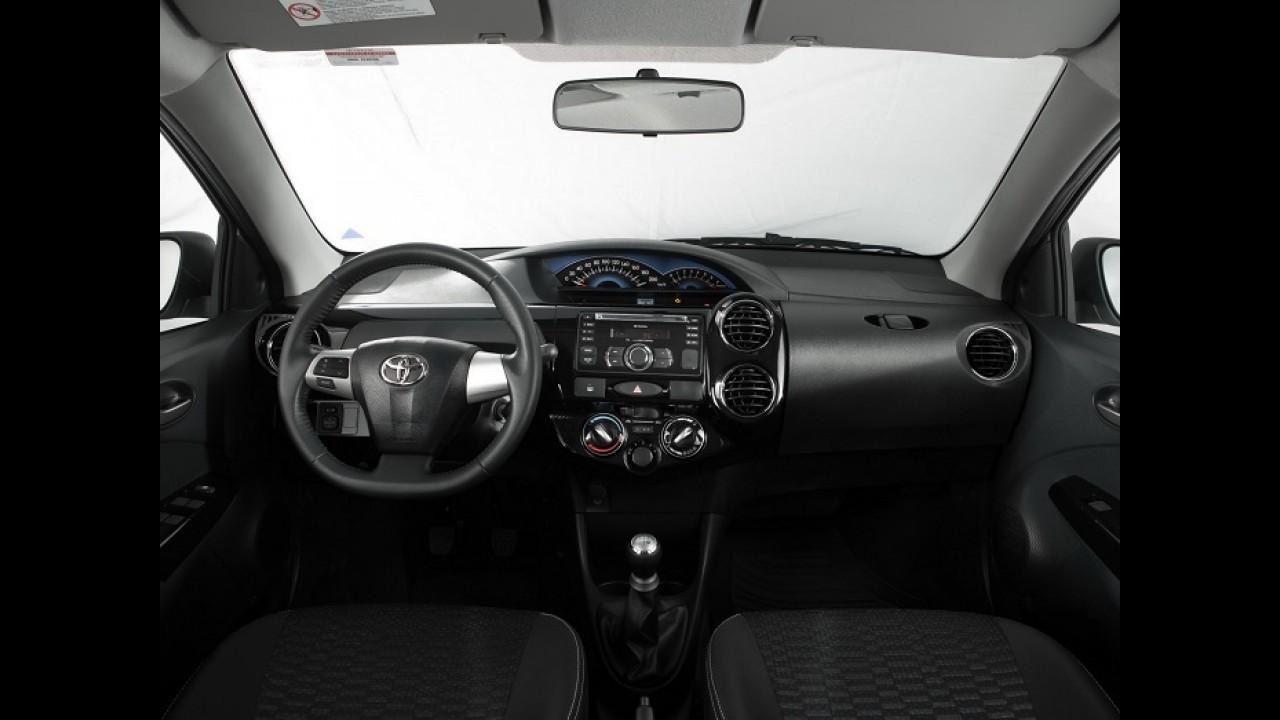 Toyota Etios Cross chega à Índia pelo equivalente a R$ 21,4 mil