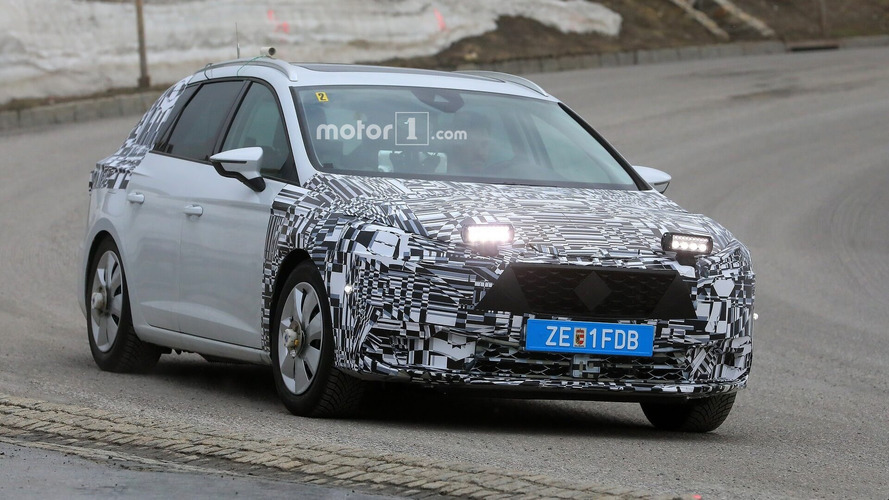 2020 SEAT Leon first spy photos