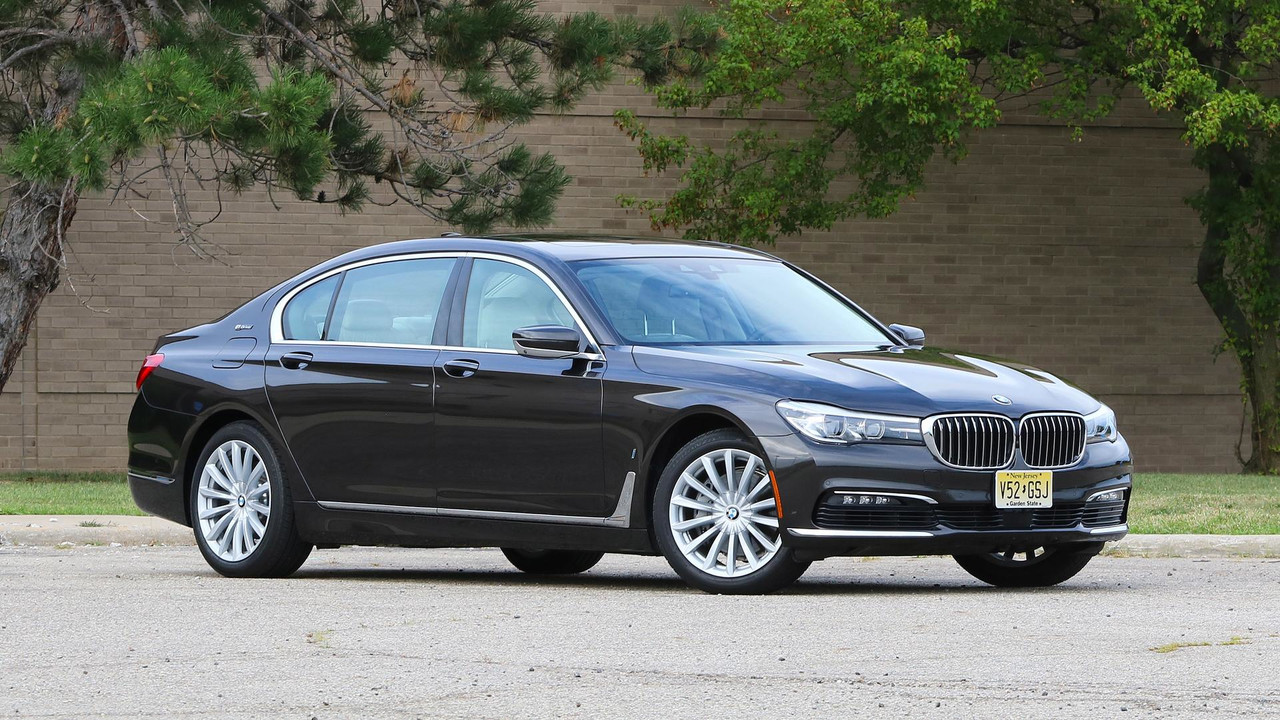 Sport Series 2017 bmw 7 series 2017 BMW 740e Review: Luxury Goes (Slightly) Electric