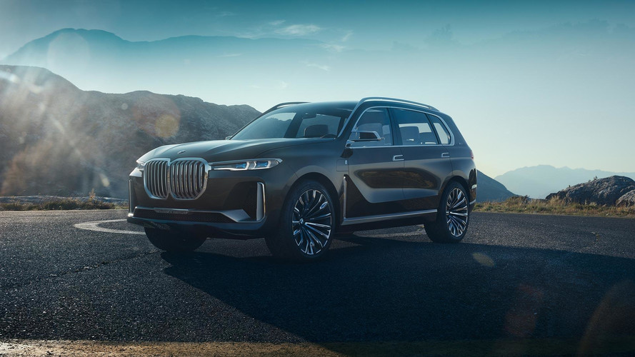 BMW Concept X7 Shows Its Gargantuan Grille In Official Videos