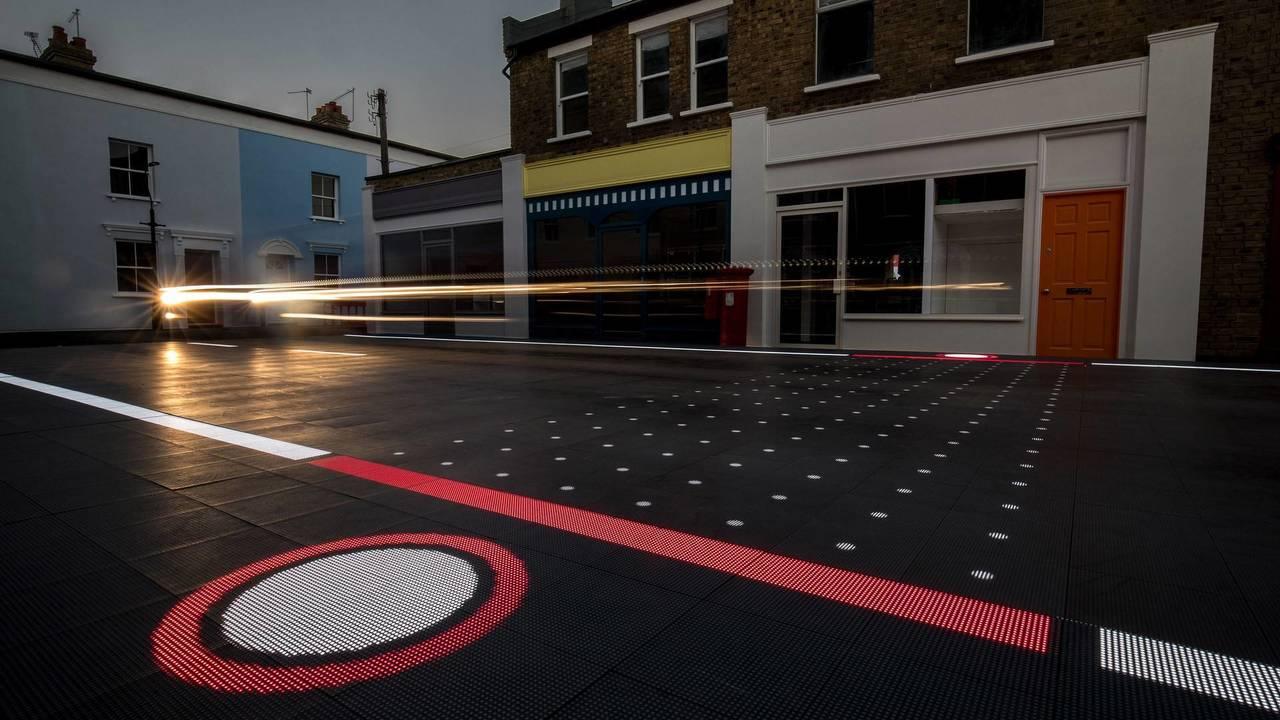 Starling Crossing Responsive Road