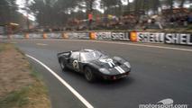 Bruce McLaren - En 1966, cuando lanzó su propio equipo, McLaren, ganó con su compañero y compatriota, el neozelandés Chris Amon, las 24 Horas de Le Mans (foto), pilotando un Ford GT-40. Intentó clasificarse para las 500 Millas de Indianápolis en 1968, pero su inscripción fue eliminada en el último momento por el propio Carrol Shelby, que decía que su coche era demasiado poderoso.  Photo by: Ford M